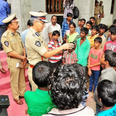 Sri D. Gautam Sawang, IPS, Commissioner of Police, Vijayawada City speaking with children in Operation Muskan to rescue missing children and child labour on 28.07.2017