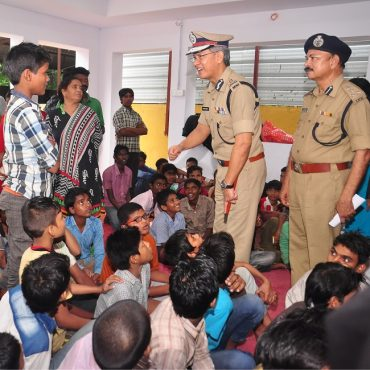 Sri D. Gautam Sawang, IPS, Commissioner of Police, Vijayawada City speaking with children in Operation Muskan to rescue missing children on 18.07.2017 2