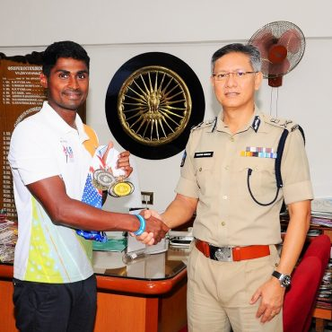Sri D. Gautam Sawang, IPS, Commissioner of Police appreciating M.Tulasi Chaitanya, HC,  Medals Winner in Swimming in International Police Sports on 19.08.2017.