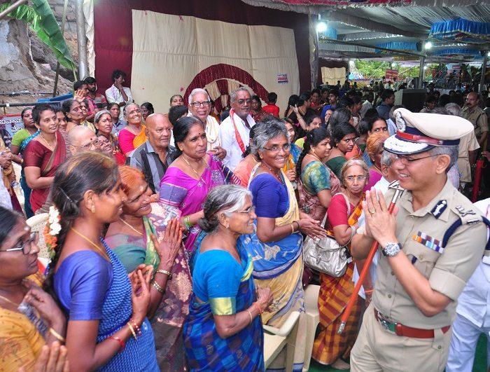 Sri D. Gautam Sawang, IPS, Commissioner of Police facilitating quick darshan of Sri Kanakadurga Ammavaru to Old age people and Divyangulu during Dasara celebrations.