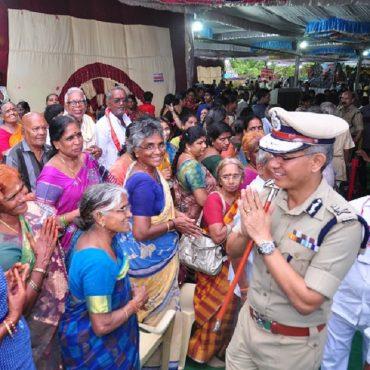 Sri D. Gautam Sawang, IPS, Commissioner of Police facilitating quick darshan of Sri Kanakadurga Ammavaru to Old age people and Divyangulu during Dasara celebrations...