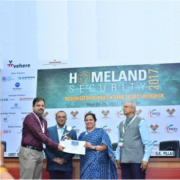Sri G.V.G.Ashok Kumar, IPS, DCP (A), Vijayawada City receiving FICCI Smart Policing Award - 2017 for E-Challan System in the FICCI Bhavan, New Delhi on behalf of Commissioner of Police, Vijayawada City