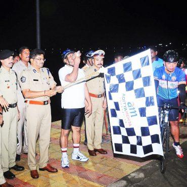 Sri N. Sambasiva Rao, IPS, DGP, AP inaugurating Green Cyclothon at Prakasam Barrage, Vijayawada on 11.08.2017