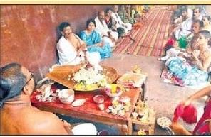 ఆర్జిత సేవలతో దుర్గమ్మ ఆలయం కళ కళ