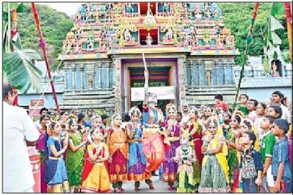 ఇంద్రకీలాద్రిపై కృష్ణాష్టమి సందడి