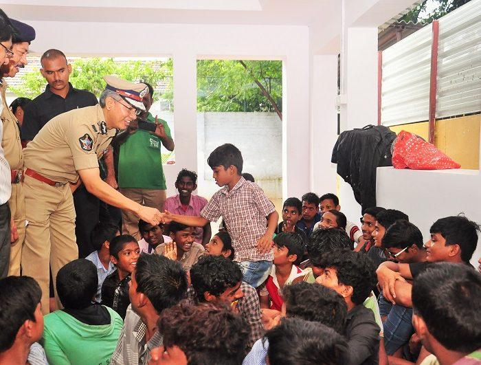 Sri D. Gautam Sawang, IPS, Commissioner of Police, Vijayawada City speaking in Operation Muskan to rescue missing children on 18.07.2017 3