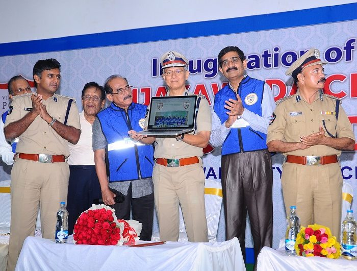 Sri D. Gautam Sawang, IPS, Commissioner of Police launching Vijayawada City Police Traffic Wardens Organisation on 03.09.2017 - 2