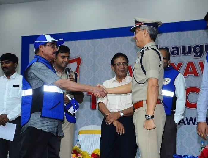 Sri D. Gautam Sawang, IPS, Commissioner of Police launching Vijayawada City Police Traffic Wardens Organisation on 03.09.2017 -3