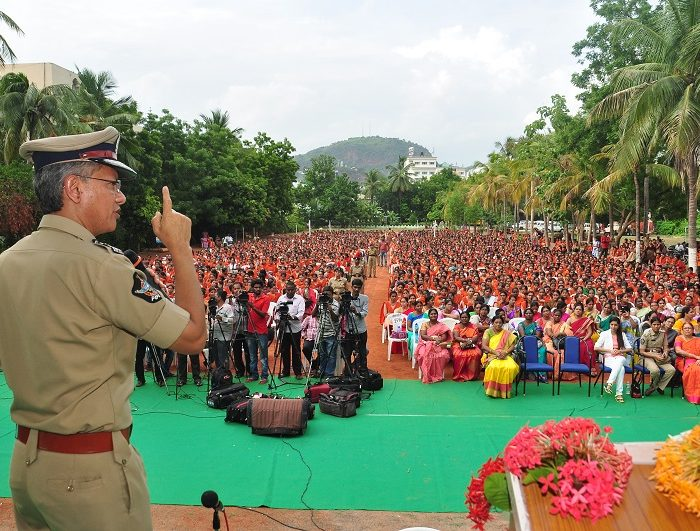 Sri D. Gautam Sawang, IPS, Commissioner of Police participating in Anti-Ragging Awareness Programme at Sri Durga Malleswara Siddhartha Women College, Vijayawada on 12.07.2017 - 3