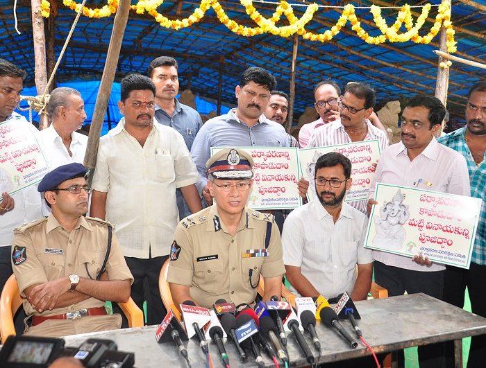 Sri D. Gautam Sawang, IPS, Commissioner of Police participating in campaign of Worship Clay Ganesh Idols to save Environment at Padavalarevu, Vijayawada on 09.08.2017