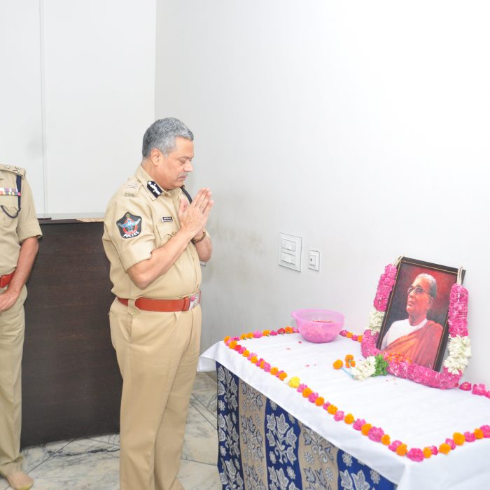 TANGUTURI PRAKASAM PANTULU DEATH ANNIVERSARY AT CP OFFICE (4)