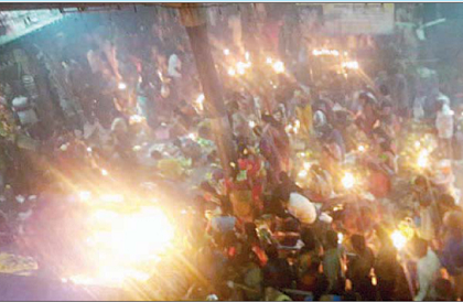 కార్తీక సోమవారం భక్తులతో  పోటెత్తిన  శైవపీఠాలు